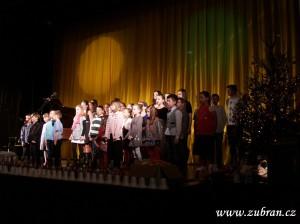 Vánoční benefiční koncert CHRISTMAS STAR  00016