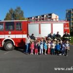 Hasičské cvičení v mateřské škole na sídlišti v Zubří 10.2014 0008