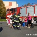 Hasičské cvičení v mateřské škole na sídlišti v Zubří 10.2014 0043