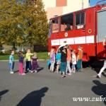 Hasičské cvičení v mateřské škole na sídlišti v Zubří 10.2014 0052