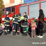 Hasičské cvičení v mateřské škole na sídlišti v Zubří 10.2014 0068