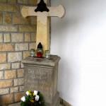 Kříž u kaple Svatého Ducha