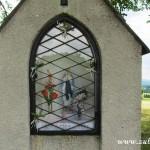 Vyzdobená kaplička pod Hůrkou