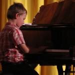 Vánoční benefiční koncert VŮNĚ VÁNOC klavirní vystoupení 2014 Zubří 0010