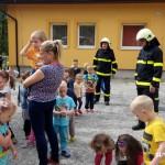 Cvičná evakuace MŠ duha Zubří 2015   0011