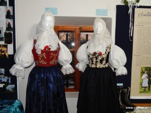 Výstava Zuberských krojů 2015 Zubří 0035