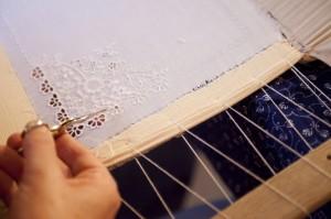 detail výroby - zbuerská výšivka